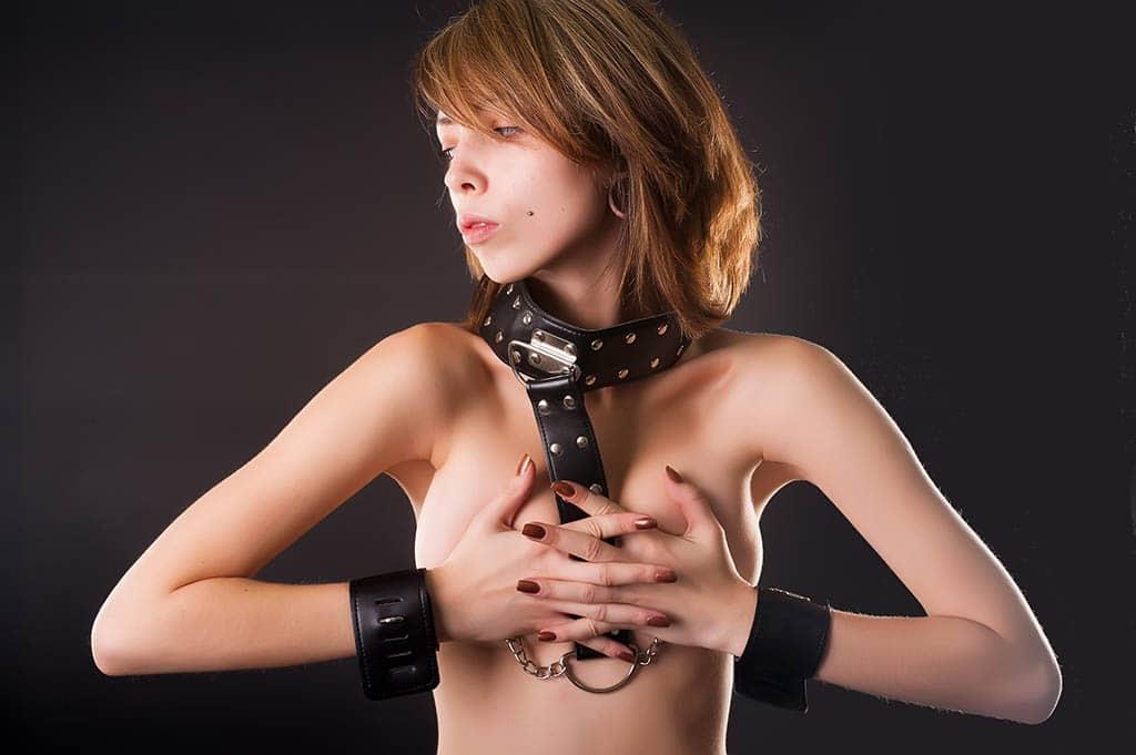 Auch ein Halsband ist ein tolles BDSM-Weihnachtsgeschenk